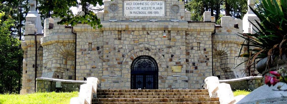 Mausoleul eroilor de la Soveja
